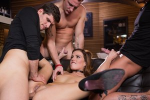 Barmaid Samantha Joons Gets a Bday Four-way and a Face Utter of Spunk