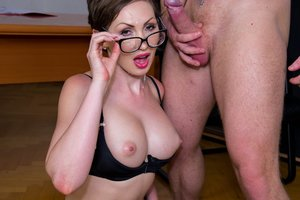 Yasmin Scott Mummy and Secretary Gets Spunk on Her Glasses